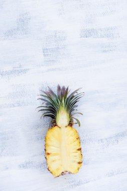Juicy Pineapple hal