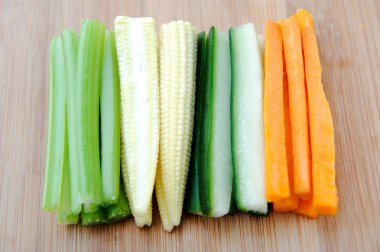 raw vegetable batons