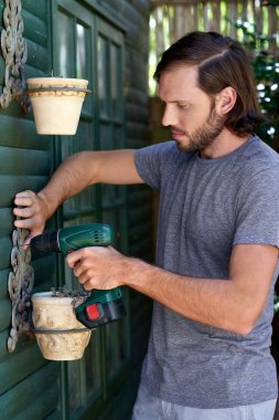 DIY male mounting potted plants