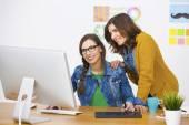 Donne di affari in un ufficio creativo