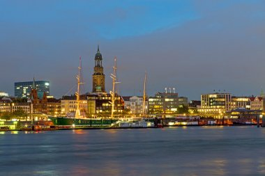 The port of Hamburg at night