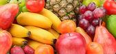 Sběr ovoce s ananasem
