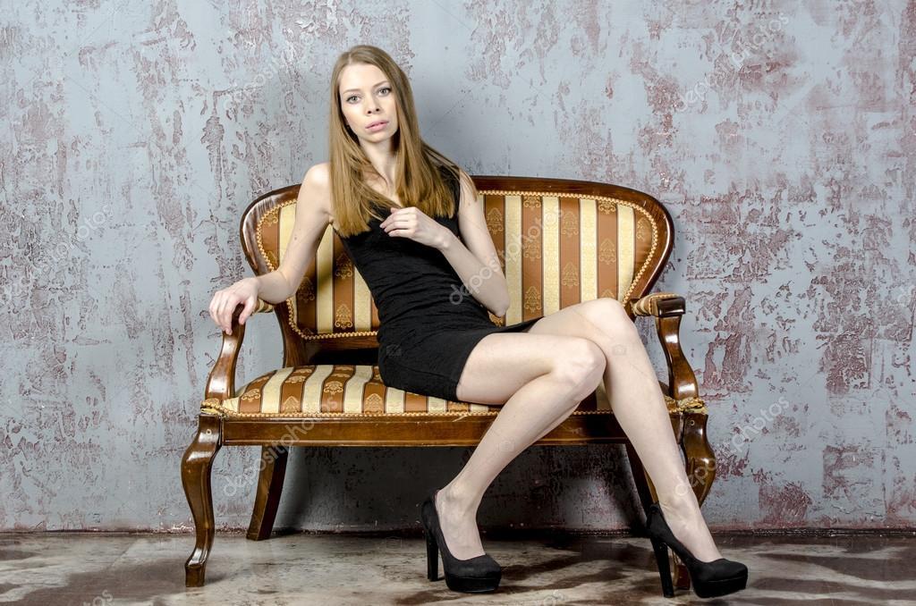 stroynaya-krasavitsa-v-mini-murmansk-na-kakoy-ulitse-tusyat-prostitutki