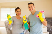 Photo couple cleaning house