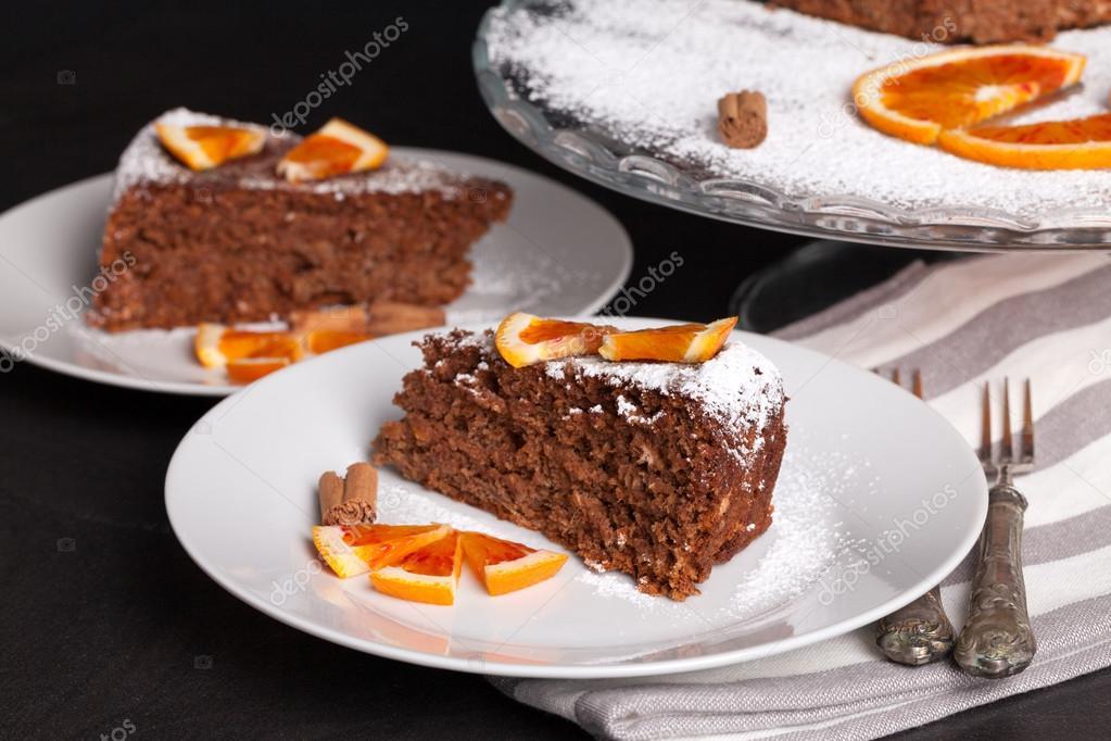 Weichen Kuchen Mit Schokolade Und Orangen Stockfoto