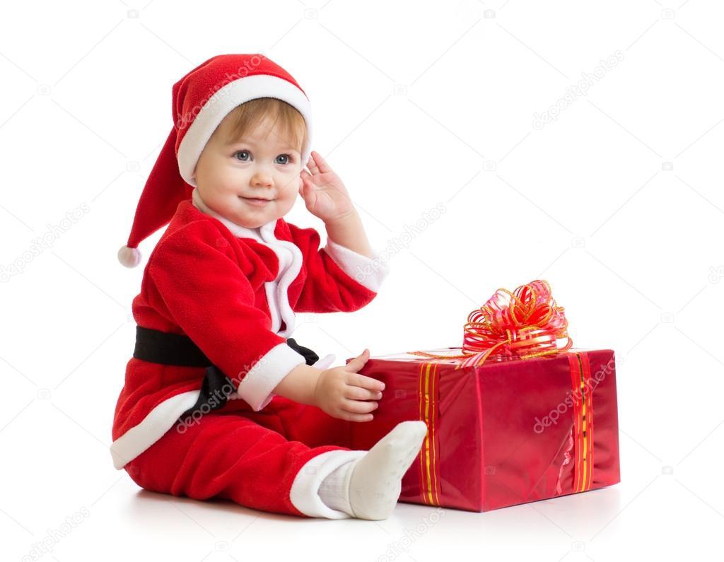 Karácsonyi baba ajándék doboz elszigetelt Mikulás-ruha — Stock Fotó ... b7659447ad
