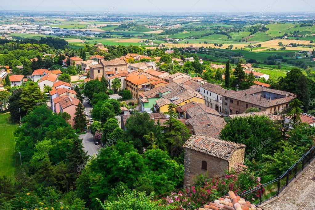 Huizen In Italie : Landschap met huizen in italië u stockfoto alan
