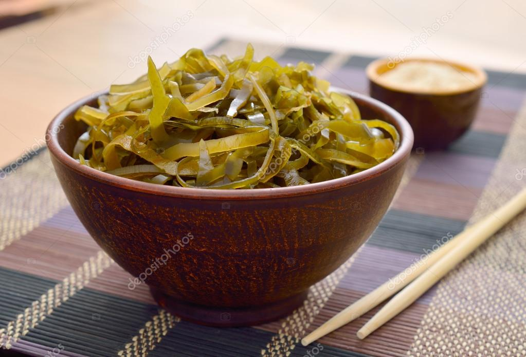 Kelp ( laminaria ) in a bowl.