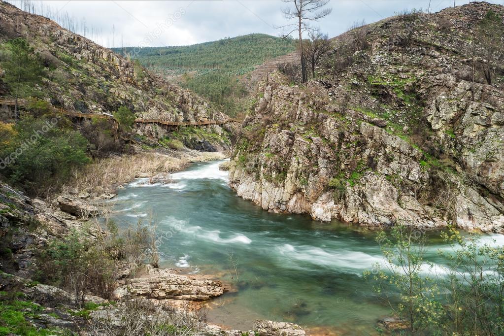 Fluss In Portugal paiva fluss in portugal stockfoto homydesign 103153276