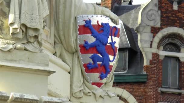 Architektonisches Detail aus dem Mittelalter: Wappen von Brügge, Belgien.