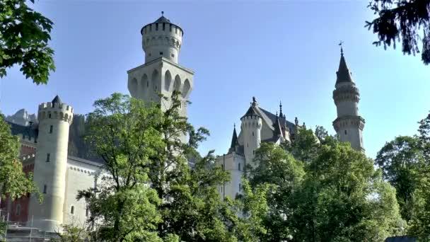 Blick auf das Schloss Neuschwanstein in Bayern, Deutschland.