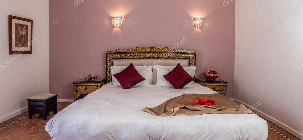 Arabische Schlafzimmer Luxus — Stockfoto © pierivb #109426884
