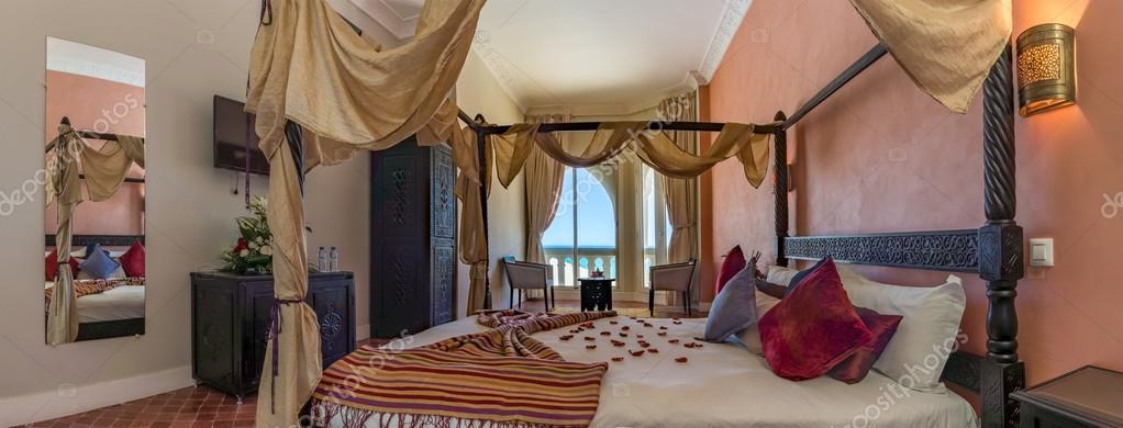 Arabische Schlafzimmer Luxus — Stockfoto © pierivb #109428038