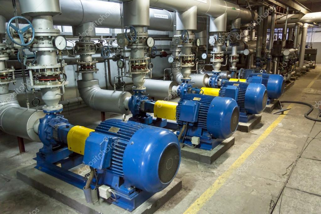Blauwe industriële pomp u stockfoto tomasz parys
