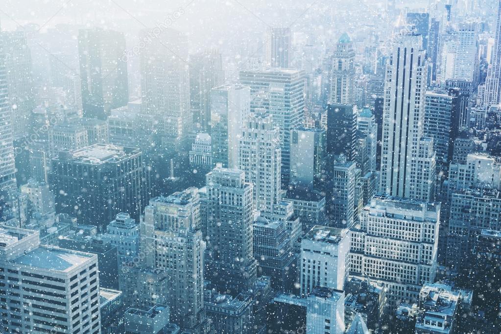 Neve a New York City - immagine fantastica, orizzonte con il cielo ...