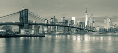Panoramic view of  Brooklyn Bridge and Manhattan in New York Cit