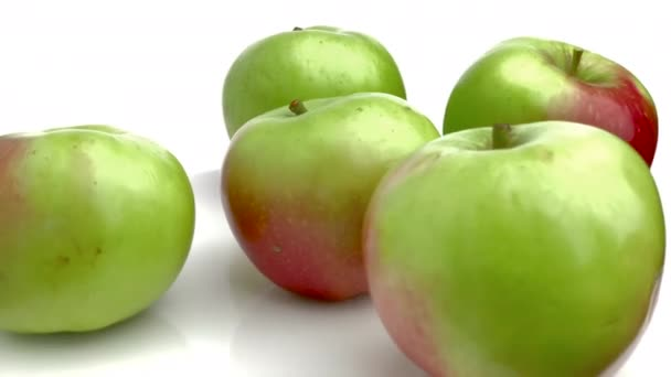 red green apples isolated on white background
