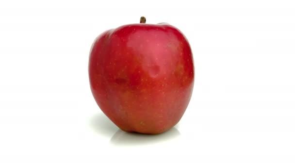 červené lahodné jablko izolované na bílém pozadí