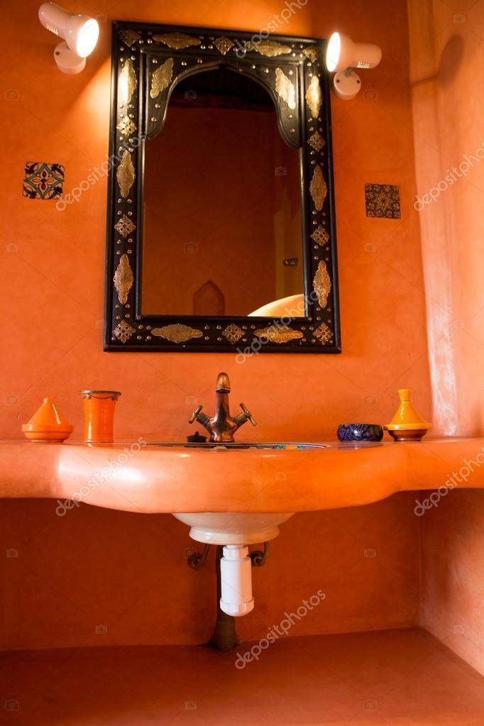 klassieke Marokkaanse badkamer — Stockfoto © piccaya #54831007