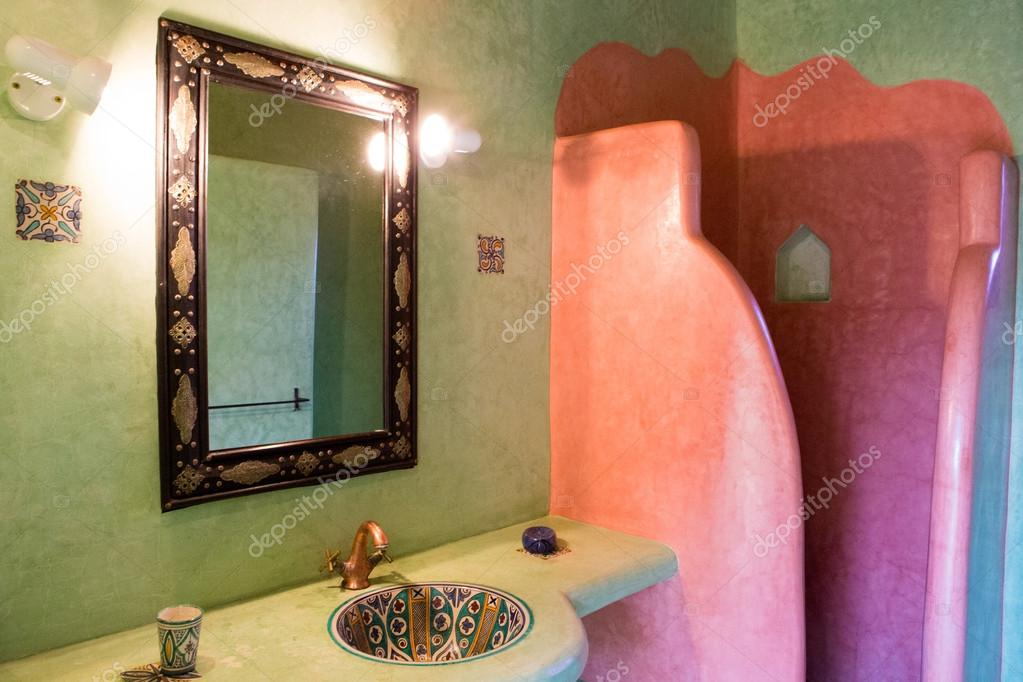 klassieke Marokkaanse badkamer — Stockfoto © piccaya #54833829