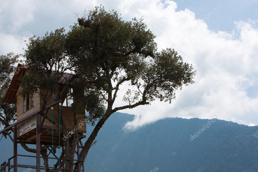 La casa del Arbol in Banos, Ecuador