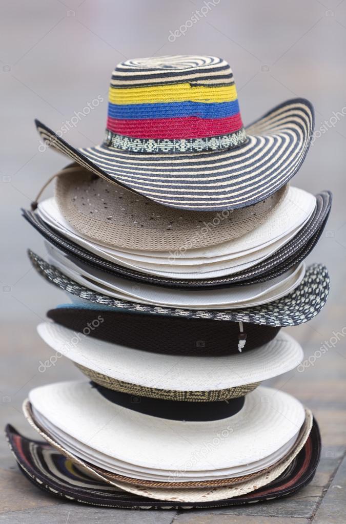 07f7ef22a17bc Sombreros de Colombia Turismo en Plaza en Medellín