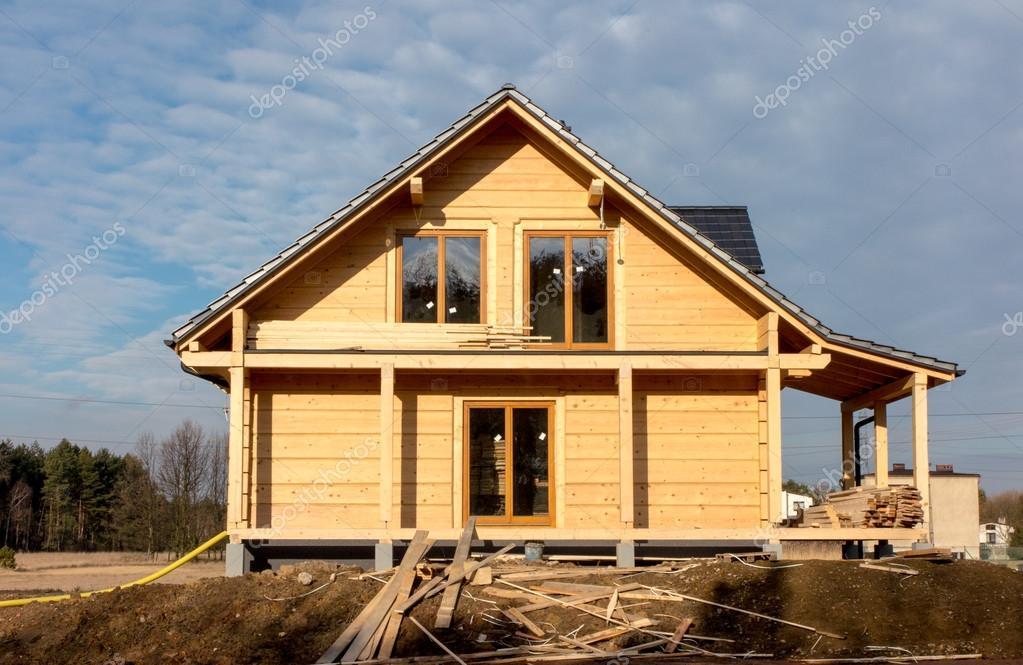 Costruzione di una casa con tronchi di legno foto stock rparys 97727258 - Costruzione di una casa ...