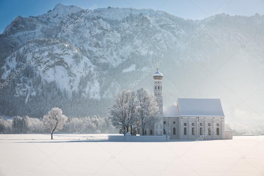 冬景色、アルプス、ドイツの木で...