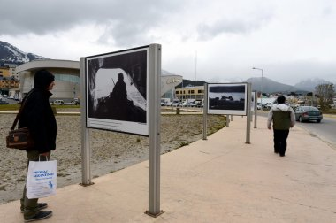 Photo exhibition about the Falklands war in the area of