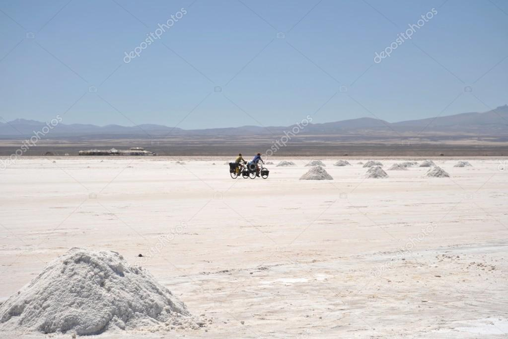uyuni chat Grab your scenic chile & bolivia travel pass to join a 3 day uyuni tour, one day moon valley tour, santiago city tour, and transfer from santiago to la paz.