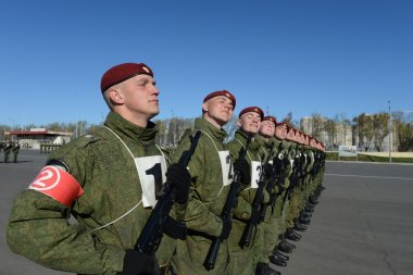 The soldiers of internal troops of the MIA of Russia are preparing to parade in red square