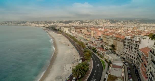Nice Francie. Nice Francie ulice. Hezký západ slunce Francie. Pěkná pláž Francie. Nice Francie Cote Dazur. Pěkné město Francie