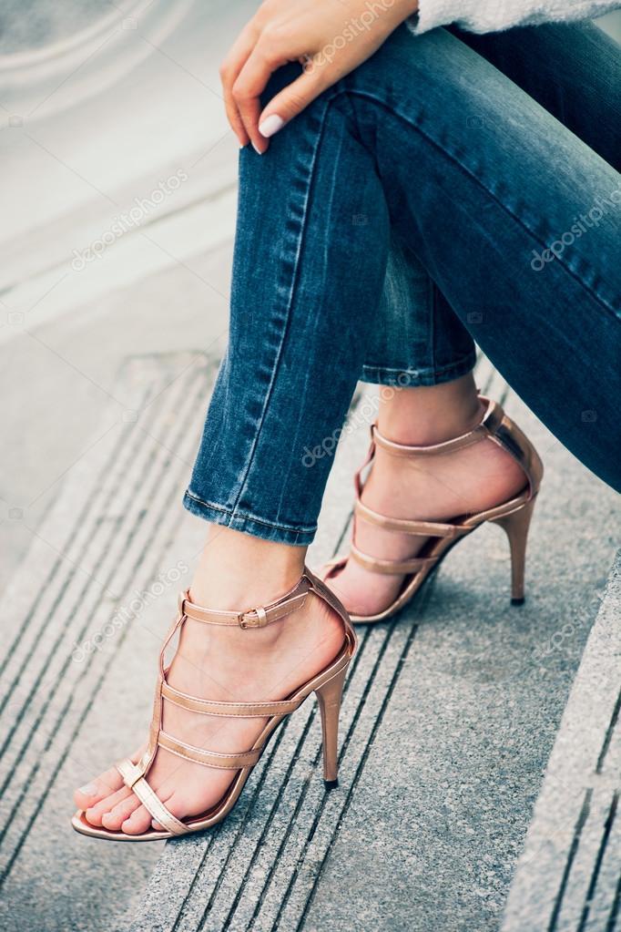 Zapatos de tacón alto — Foto de stock © cokacoka #112588490