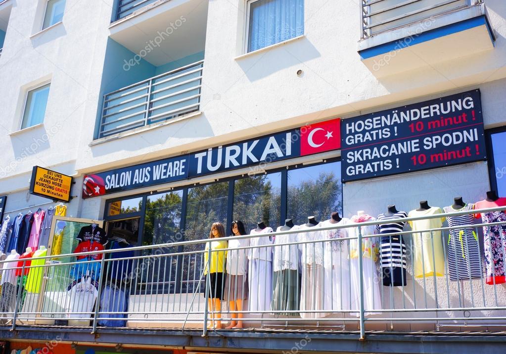 Magasin de vêtements turcs — Photo éditoriale ...