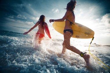 Ladies surfers