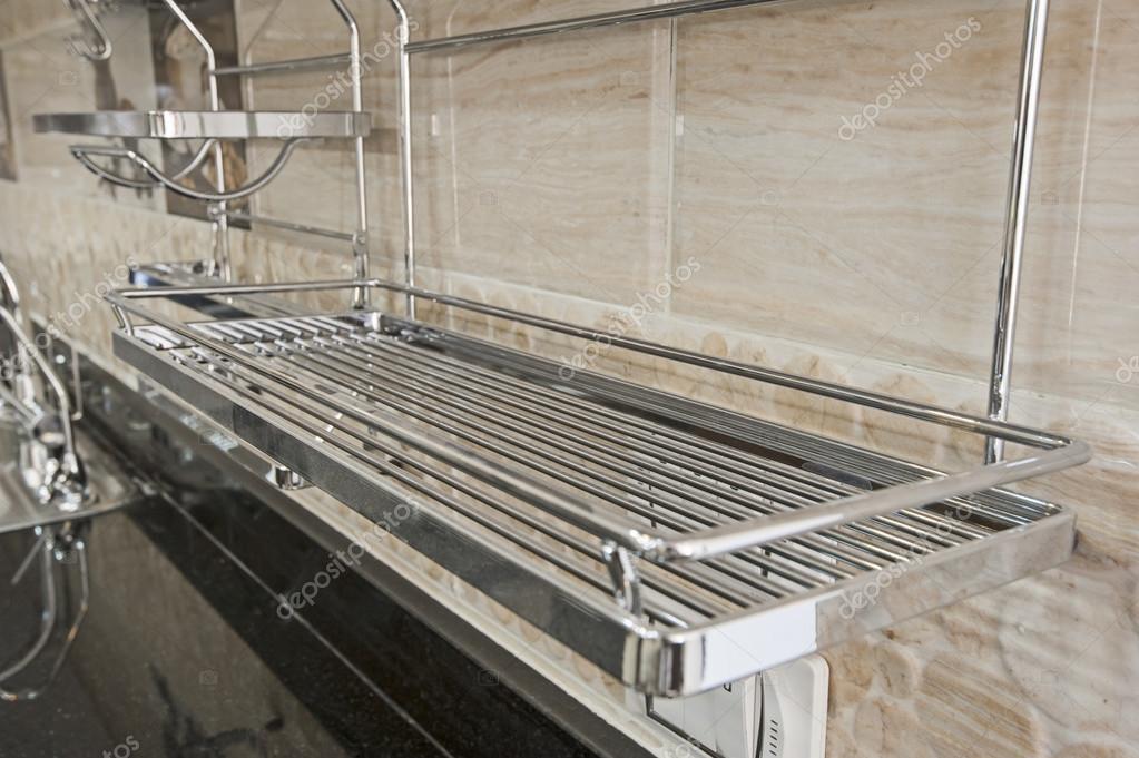 Metalowe Półki Jednostki W Kuchni Zdjęcie Stockowe