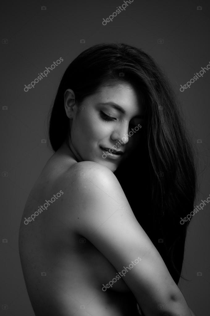 Μαύρο και άσπρο γυμνό μοντέλα