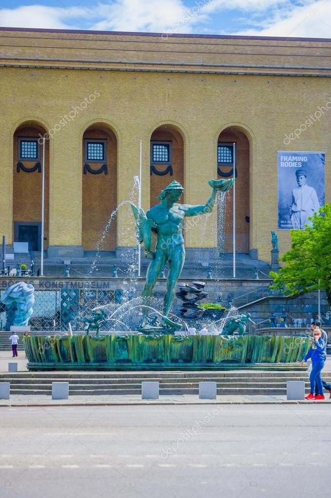 Estatua de Poseidon en el centro de Gotemburgo — Foto editorial de ...