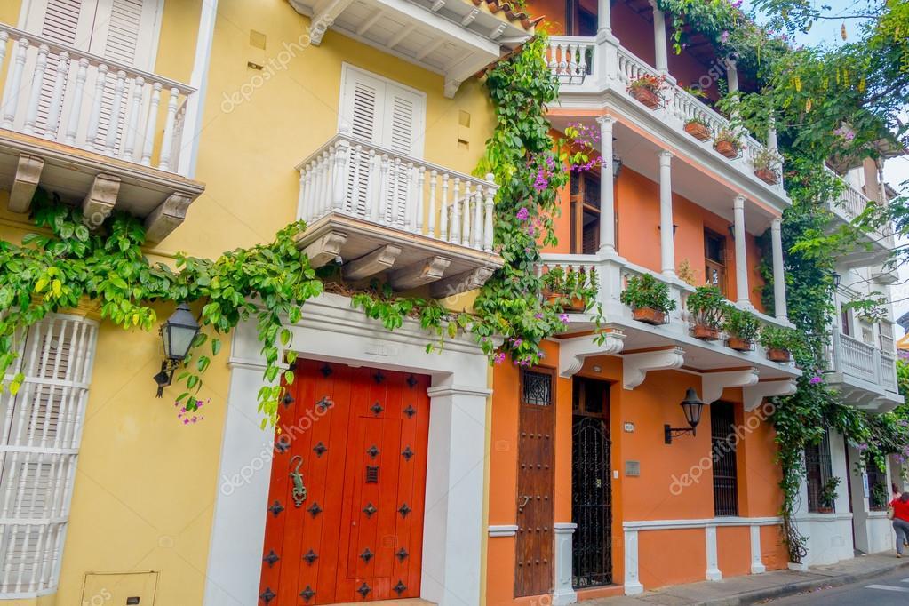 Façades belle maison dans les rues de Cartagena, Colombia ...
