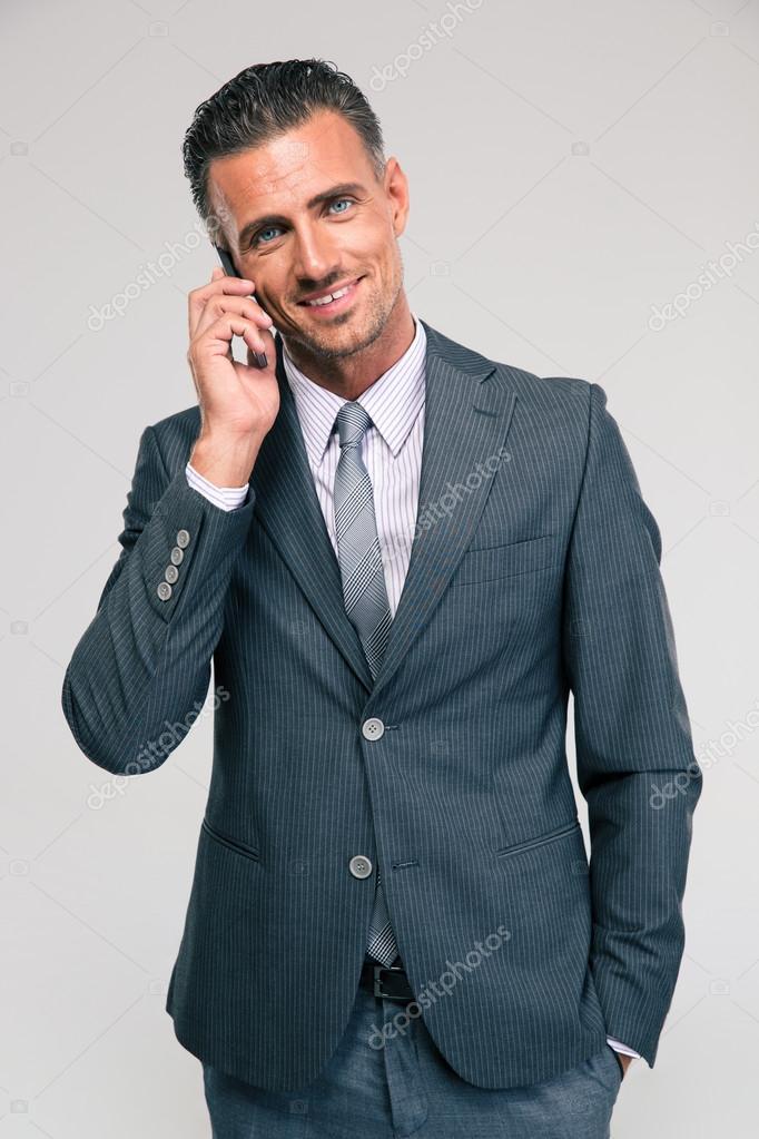 電話で話して幸せな実業家の肖像画 — ストック写真
