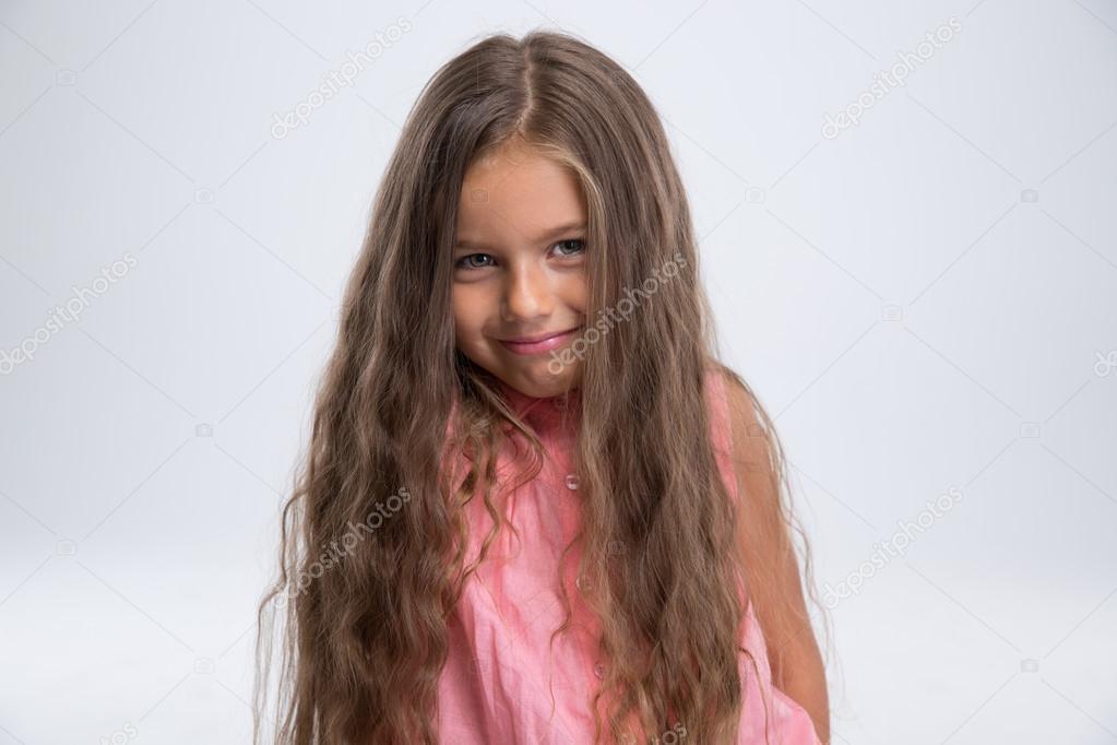 Ritratto di una ragazza graziosa foto stock - Immagine di una ragazza a colori ...