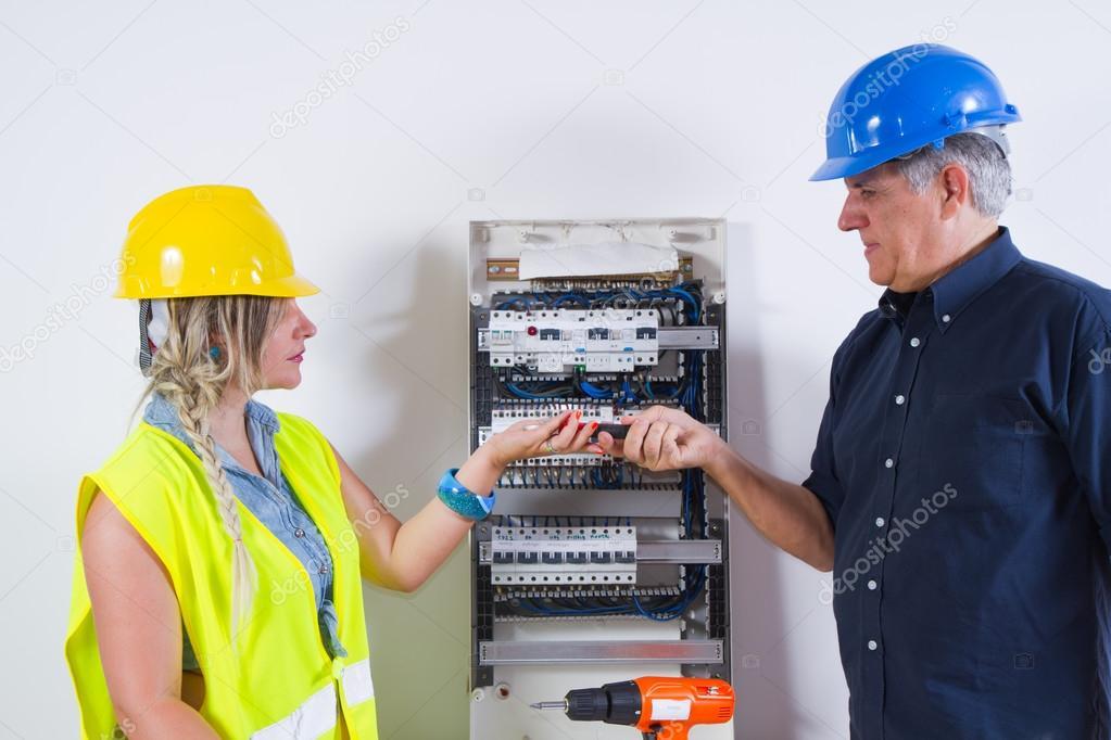 Elektrikářské práce doma — Stock Fotografie © temis1964  65028443 bbce1c2952