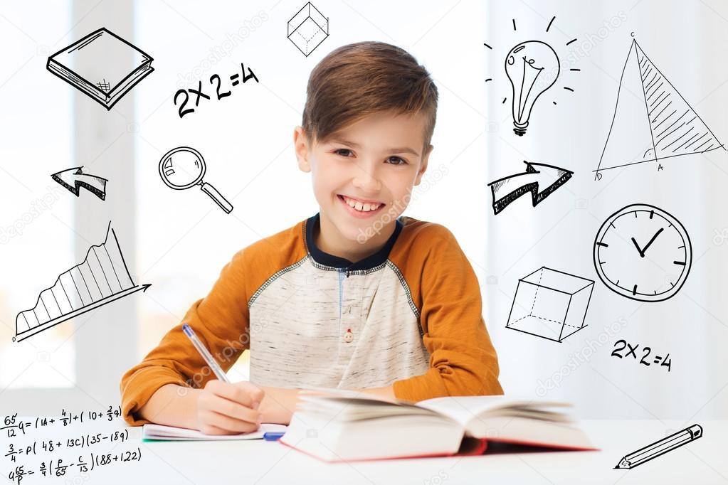 Sonriente Niño Estudiante