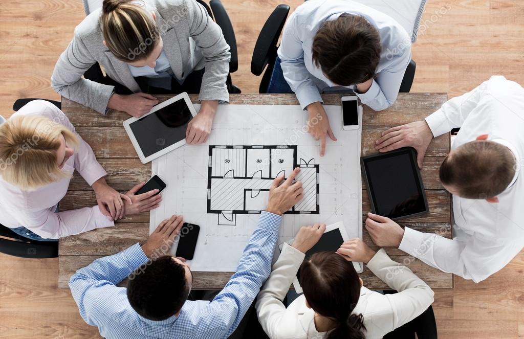 Equipo de business blueprint y gadgets fotos de stock equipo de business blueprint y gadgets fotos de stock malvernweather Gallery