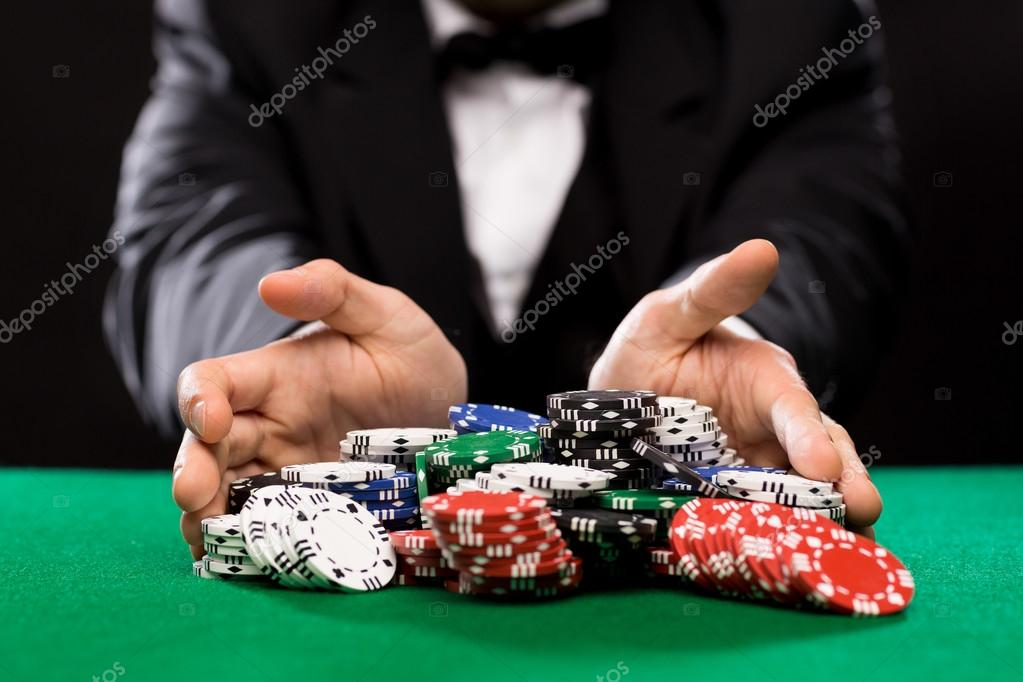 Онлайн казино зелений Офіціант в казино