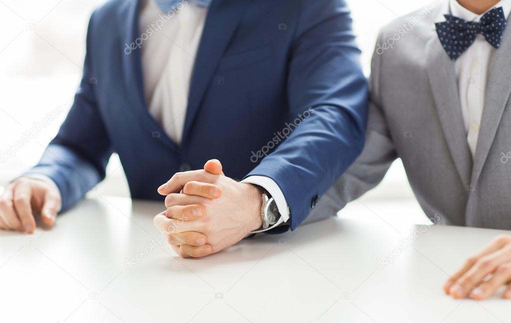 Σεξ σε κοστούμια γκέι