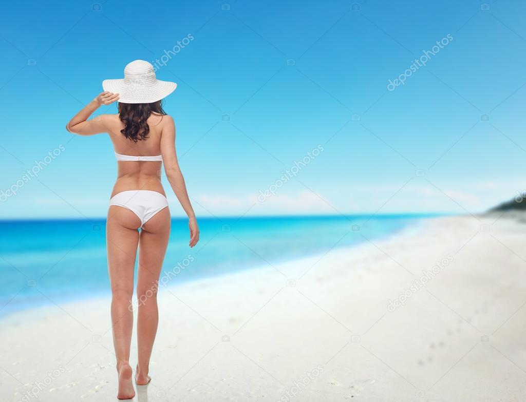 6d9774eaef59 Fotos: chicas en bikini de espaldas   mujer joven en traje de baño ...