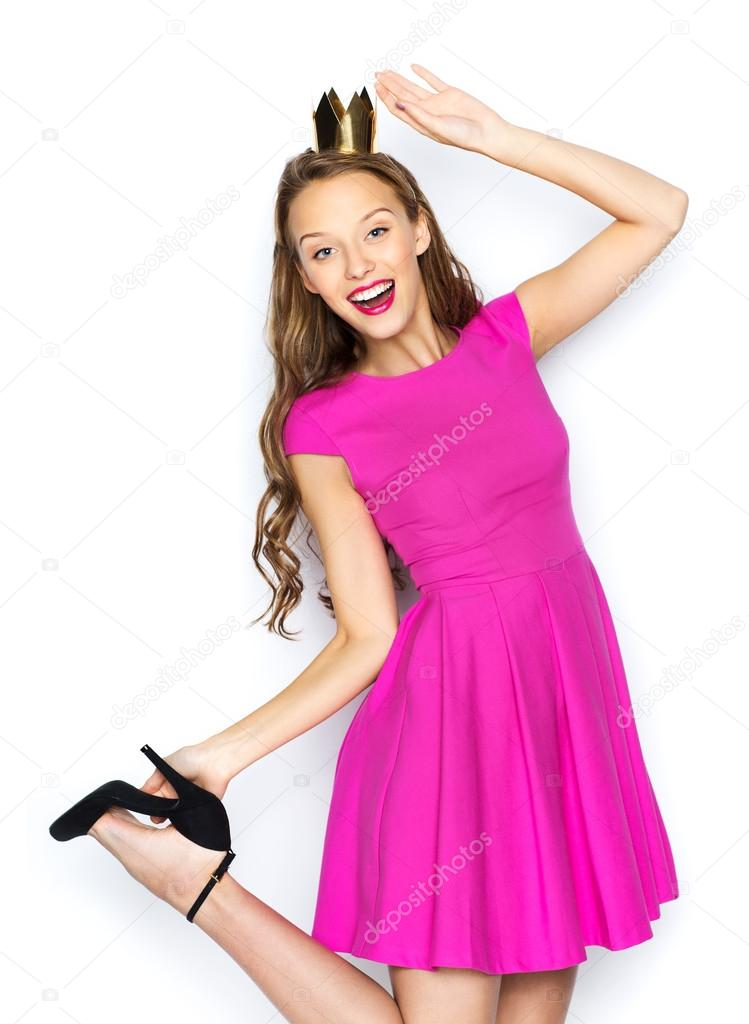 feliz joven mujer o niña adolescente en vestido rosa — Foto de stock ...