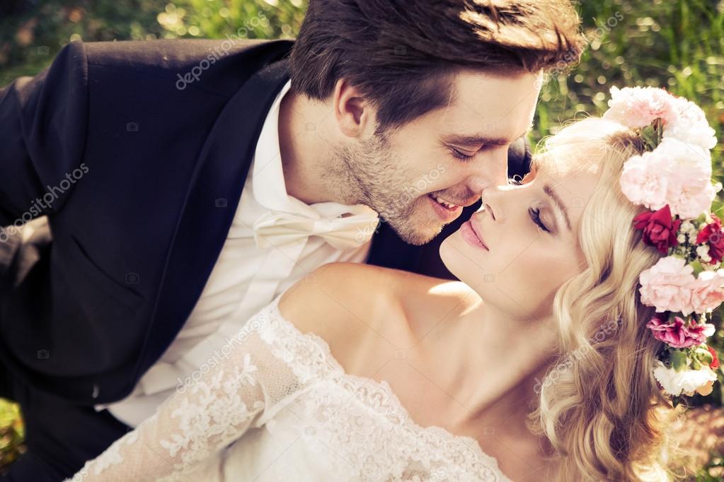 Kissing scene video download