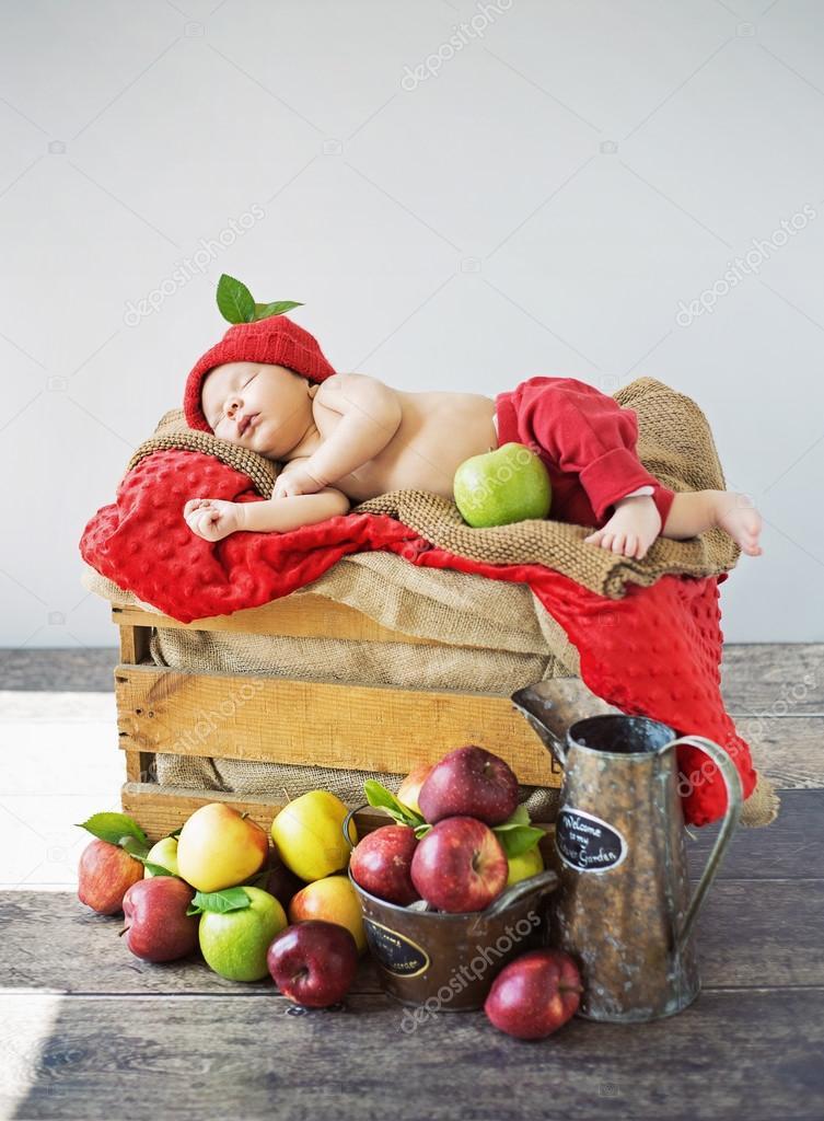 К чему снится ребенок мальчик — толкование по сонникам.